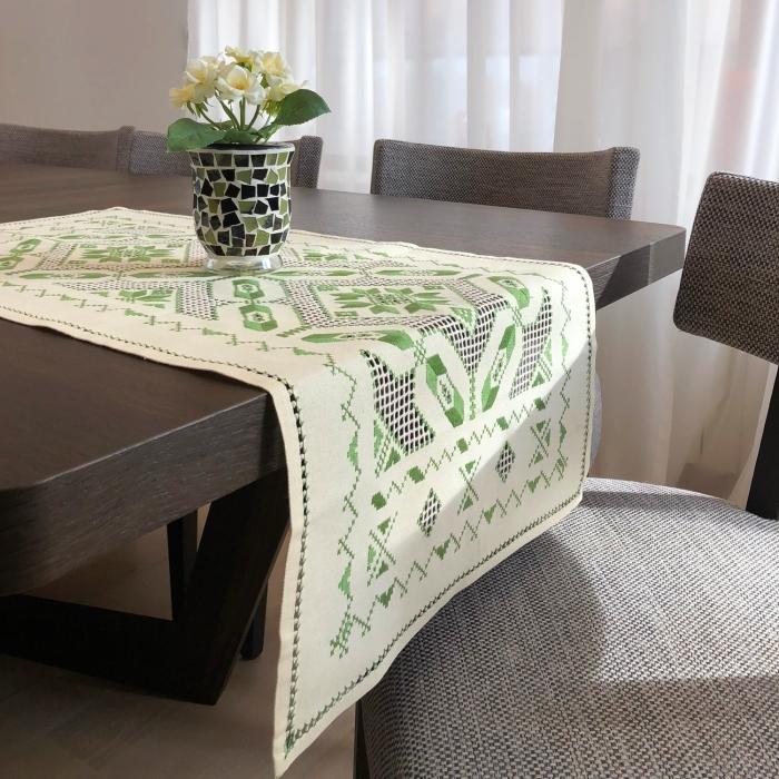 Șervet de masă - 0.5x1 m broderie verde 2